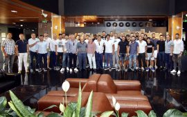 Antalyaspor tam kadro yemekte