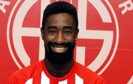 Antalyasporlu Djourou transferin gözdesi! İki takım daha…