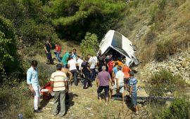 Antalya'da tur otobüsü devrildi! Ölü ve yaralılar var