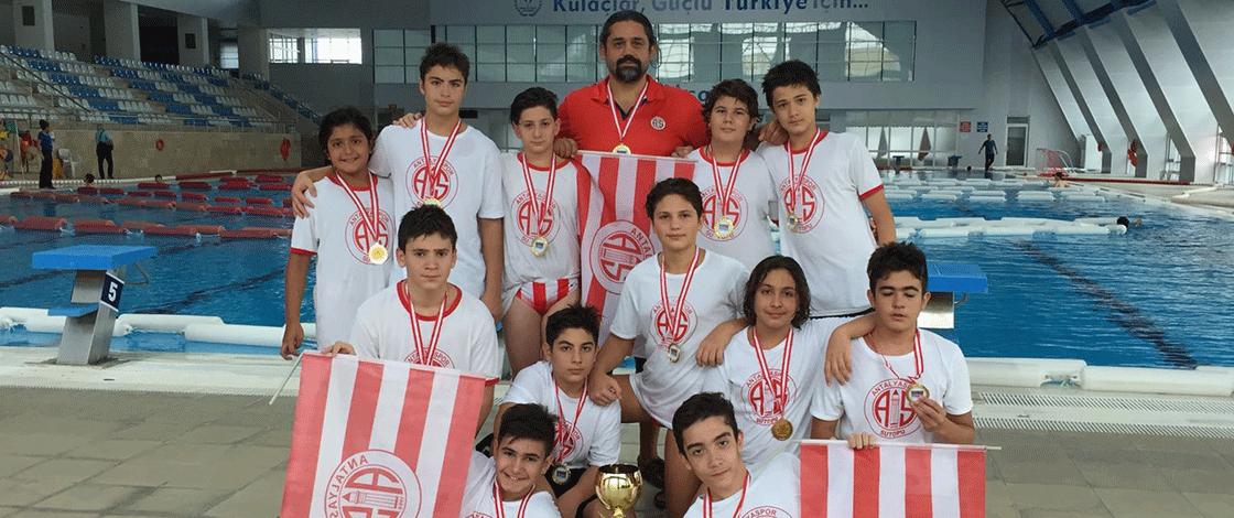 Sutopu Erkekler U14'te şampiyon Antalyaspor