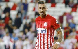 """Emre Güral """"Antalyaspor'da oynamaktan memnunum"""""""