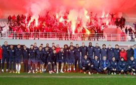 Antalyasporlu taraftarlardan moral ziyareti