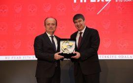 Menderes Türel'e tesis ödülü