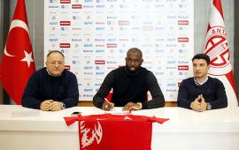 Souleymane Doukara imzayı attı .. İlk sözleri
