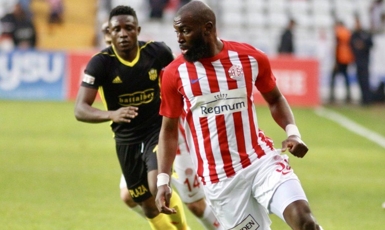Antalyaspor'da Bursaspor maçı kadrosunda 6 isim yer almadı! Doukara…