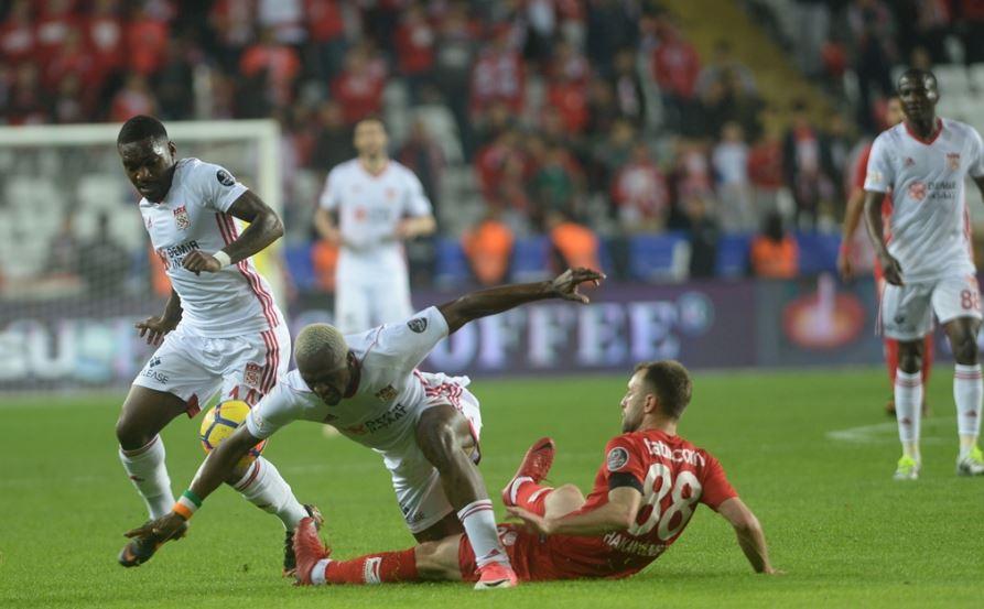 Antalyaspor'da önemli eksikler!