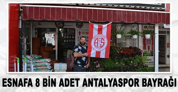 Esnafa 8 bin adet Antalyaspor bayrağı