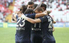 Antalyaspor, ikinci devrede yükselişte