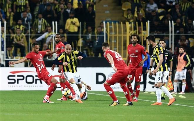 Antalyaspor'da 5 futbolcu sarı kart sınırında
