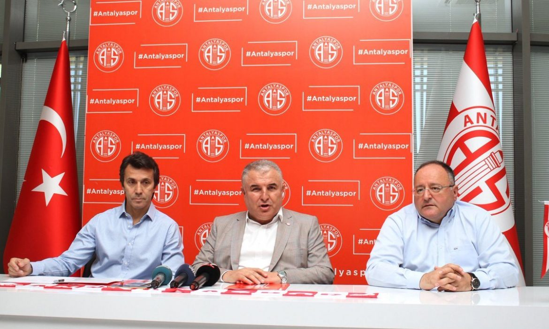 Bülent Korkmaz, Antalyaspor'a imzayı attı.. İlk sözleri transfer