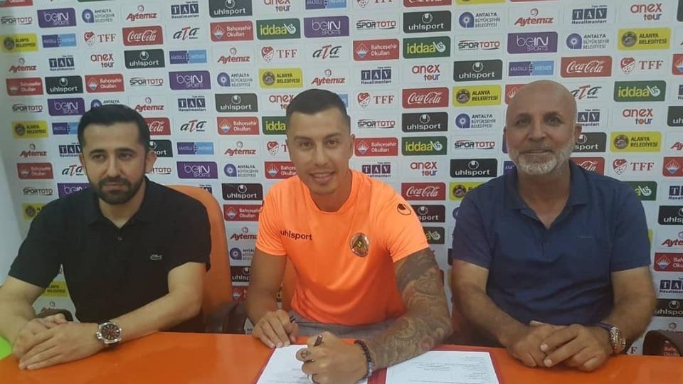 Emre Güral, Alanyaspor ile sözleşme imzaladı