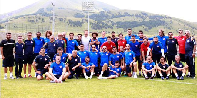 Antalyaspor Hollanda'ya gidiyor