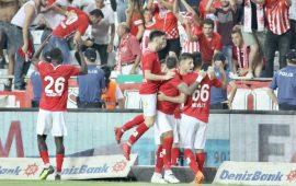 Antalyaspor'un gözü zirvede! Liderlik maçı!