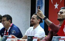 Antalyaspor'un kaptanından sözleşme talebi