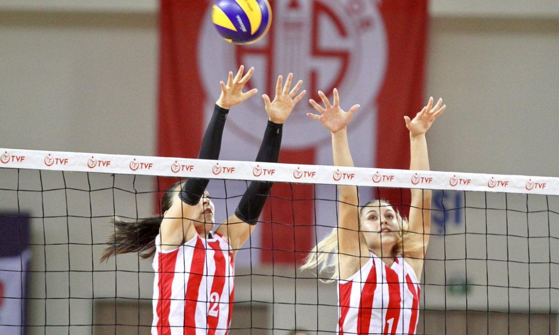 Antalyaspor Voleybol Takımı sezona mutlu başladı