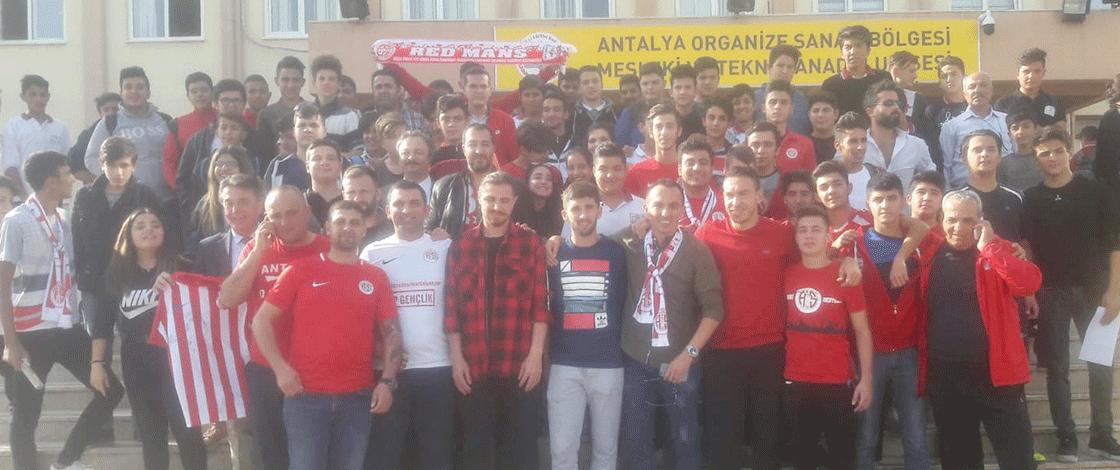 Antalyaspor, OSB Meslek ve Teknik Anadolu Lisesi'ne konuk oldu