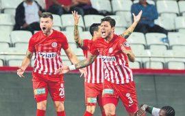 Antalyaspor tarih yazıyor