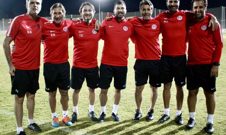 İbrahim Dağaşan Antalyaspor'a geri döndü