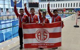 Antalyaspor'da yüzme takımından üst üste başarı