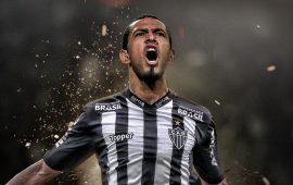 Atletico Mineiro, Maicon transferini resmen açıkladı