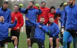 Antalyaspor'da Başakşehir maçı hazırlıkları yağmur altında devam etti