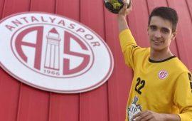 CIP Travel Antalyaspor'un genç kalecisine milli davet