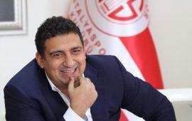 Ali Şafak Öztürk masaya yumruğunu vurdu, Mete Kalkavan görev alamadı