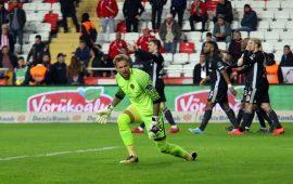Antalyaspor'un unutulmaz kalecisi Adnan Karahan'dan Ruud Boffin'e destek