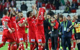Antalyaspor galibiyeti Serdar Özkan'ın vefat eden annesine hediye etti
