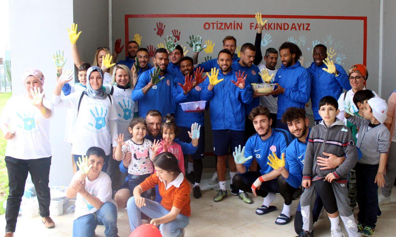 Antalyaspor'dan 'Otizmin Farkındayız' etkinliği