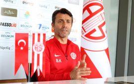 Bülent Korkmaz: Gelecek sezon da Antalyaspor'dayım