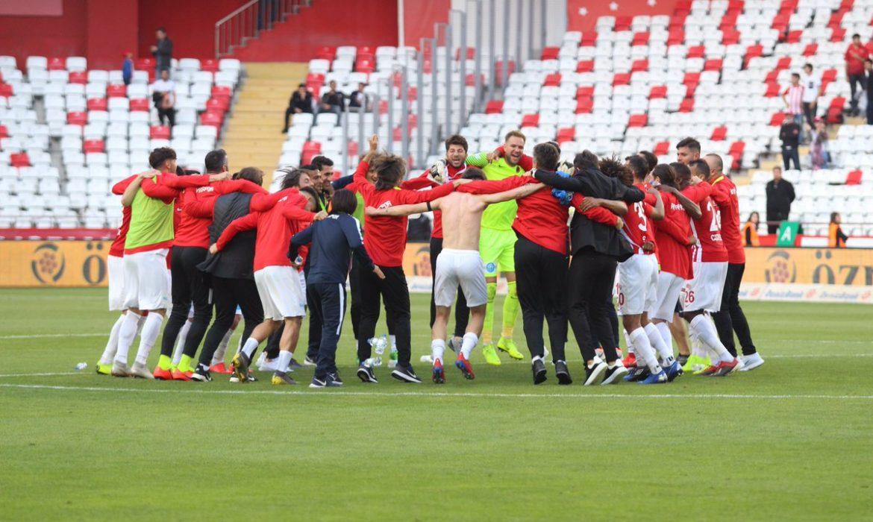 Antalyaspor, geçen sezonki puana 6 hafta erken ulaştı