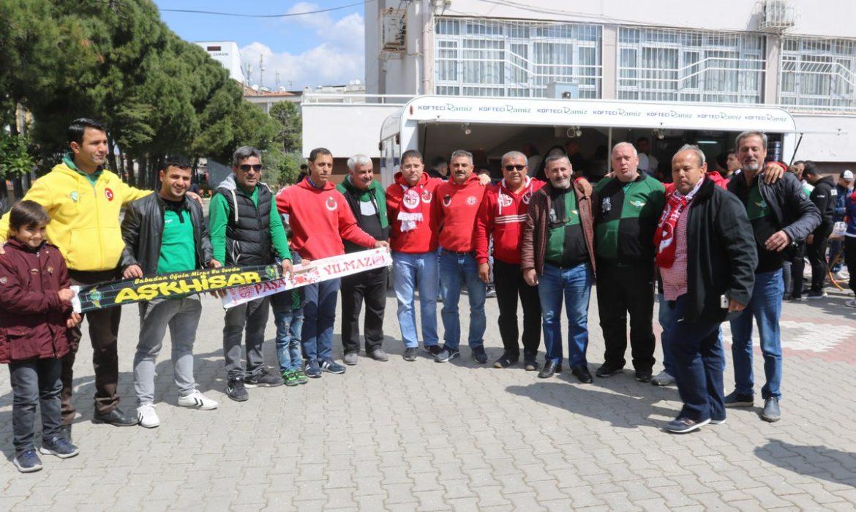 Antalyaspor taraftarına pideli köfte ikramı
