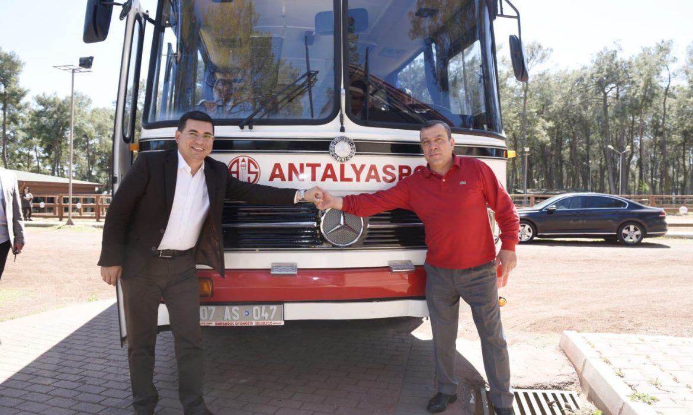 Tütüncü Antalyasporluları duygulandırdı