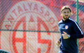 Zeki Yıldırım, bu sezon Antalyaspor'dan fesih ücreti alan ilk futbolcu oldu