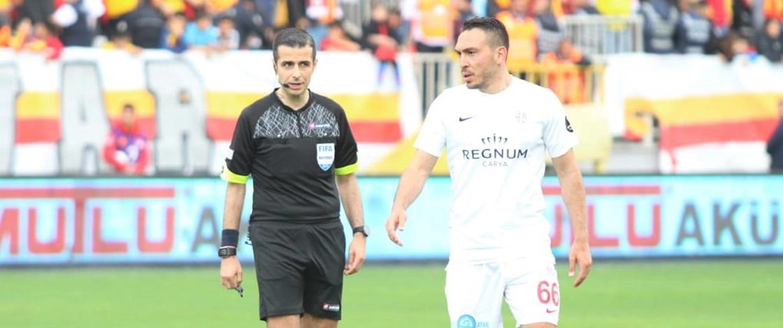 Mete Kalkavan'dan Antalyaspor aleyhine 2 penaltı, 15 sarı, 2 kırmızı kart!