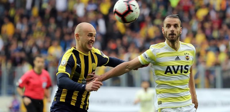 Antalyaspor'da savunmaya Pazdan hamlesi