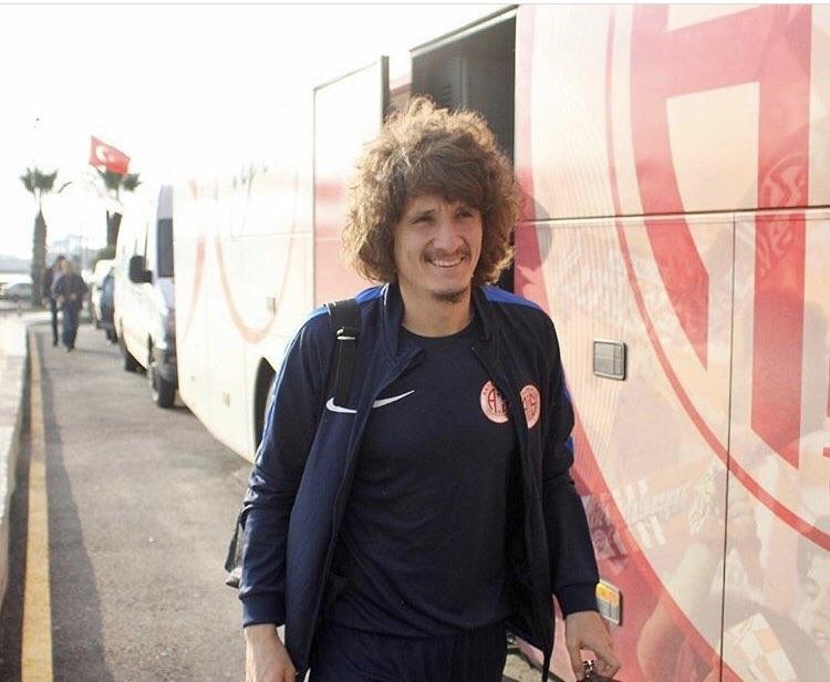Osman Çelik Antalyaspor'a veda etti