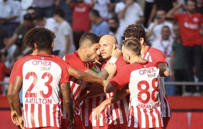 Antalyaspor 3 – 0 Yeni Malatyaspor