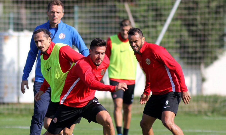 Antalyaspor'da futbolculara 1 gün izin