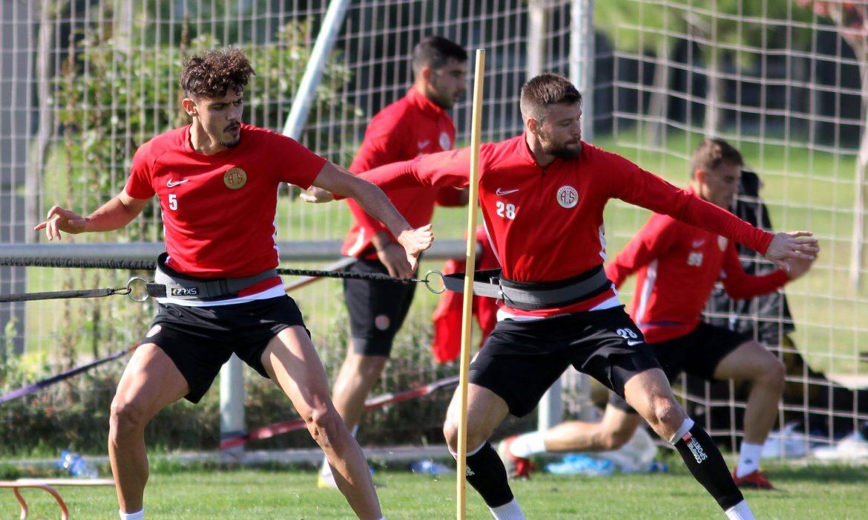 Antalyaspor 5 eksikle çalıştı
