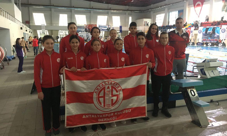 Antalyasporlu yüzücülerden milli vize