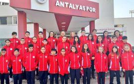 Antalyaspor Yüzme Takımı'ndan önemli başarı