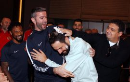 Servet Çavuşoğlu'na doğumgünü kutlaması