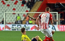 Podolski: Uzatmanın da uzatmasını oynattı