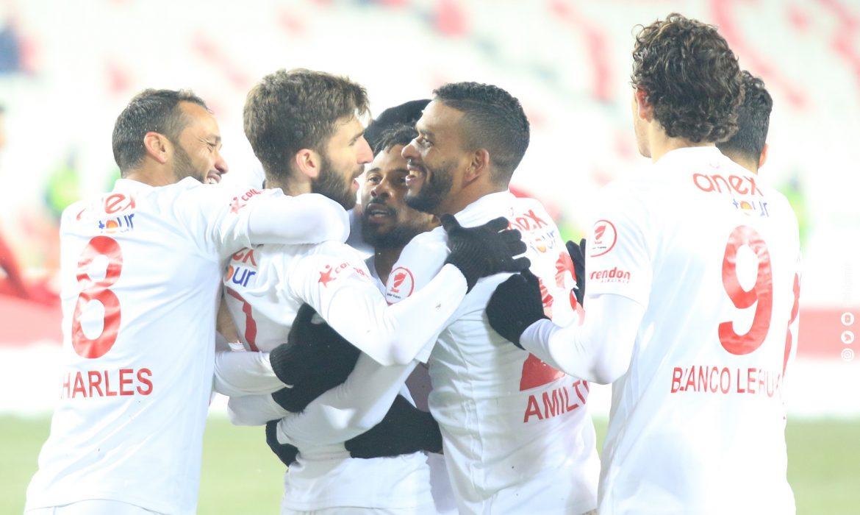 Antalyaspor 4. kez Türkiye Kupası'nda yarı finalde