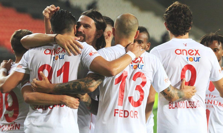 Antalyaspor rekora 1000'di