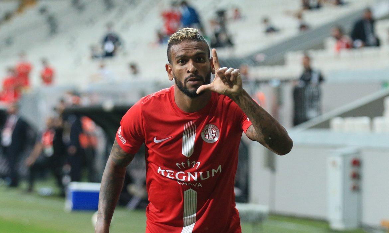 Antalyaspor'un vazgeçilmezi Amilton oldu