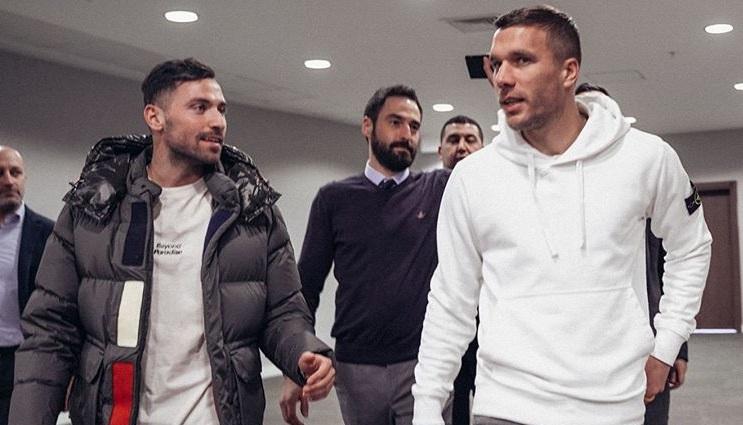 Antalyaspor'da Sinan Gümüş ve Podolski sevinci
