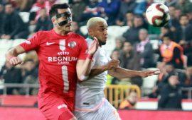 Antalyaspor, Alanyaspor'un önünü açtı